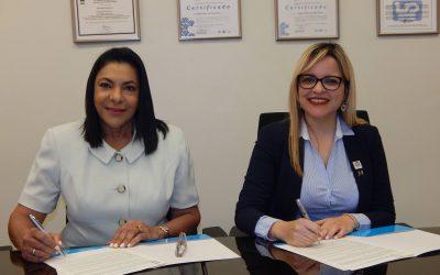 Acuerdo entre el Hospital Pediátrico Doctor Hugo Mendoza y el Patronato Nacional de Ciegos busca ingresar al ámbito laboral personas con discapacidad visual.