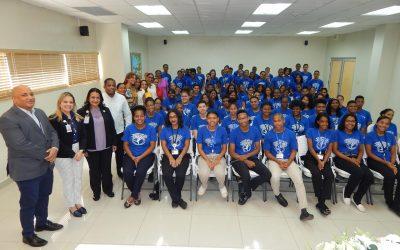 Estudiantes concluyen programa de verano del Hospital Hugo Mendoza